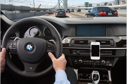 Apple looking for deeper iOS integration into cars