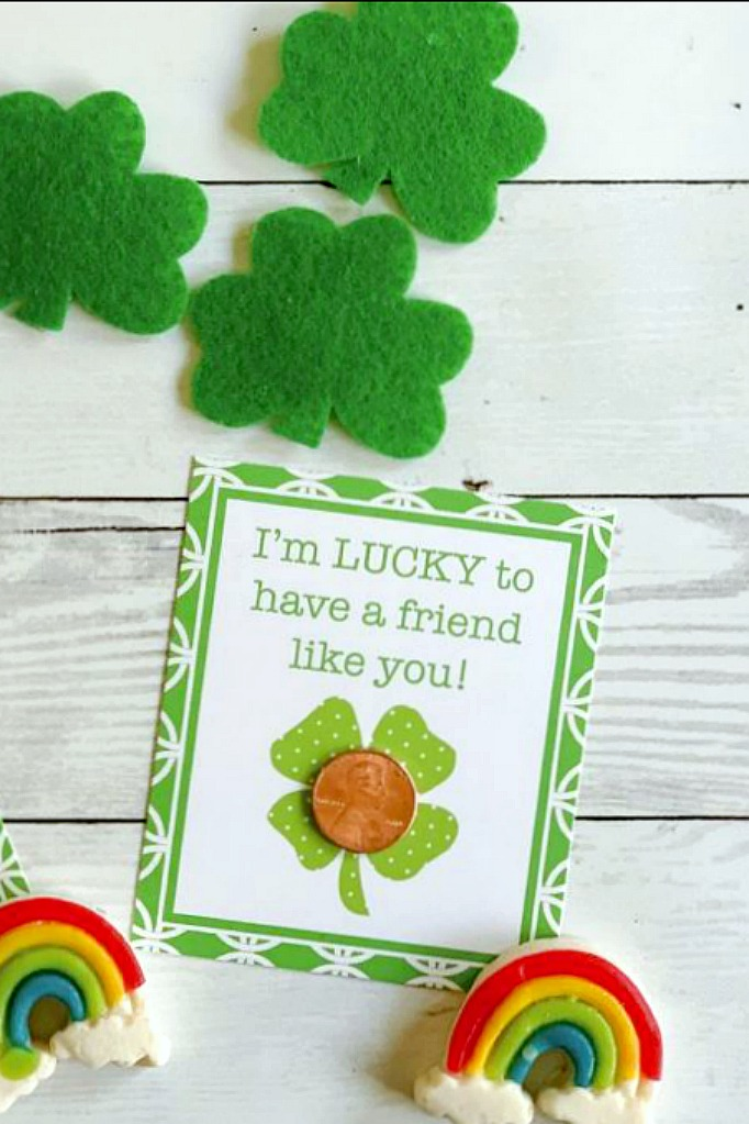 Lucky Penny St Patrick\u0027s Day Printable Tags - Giggles Galore