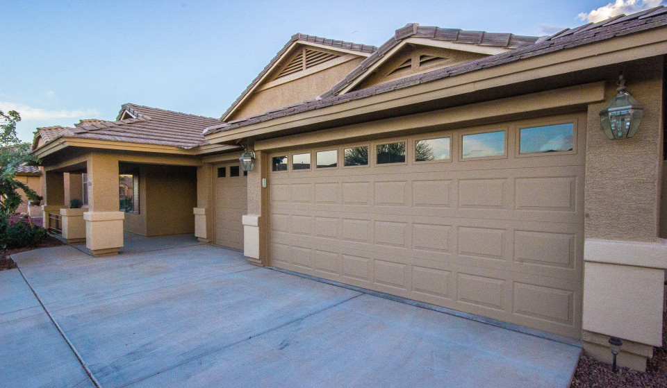 Single Level Homes For Sale With 3 Car Garage And Pool In Gilbert