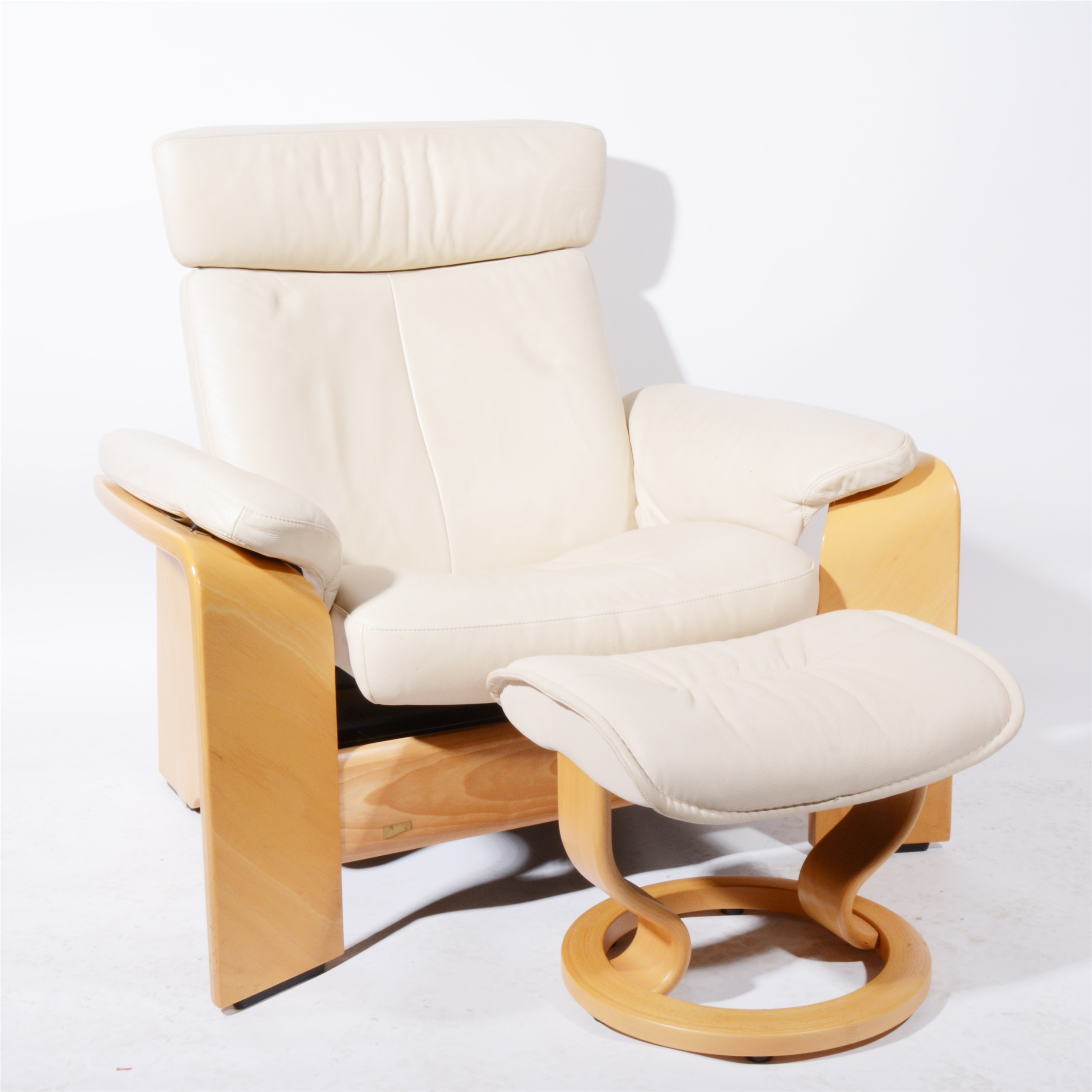 Stressless Furniture Market Harborough Lot 689 A Stressless Pegasus White Leather