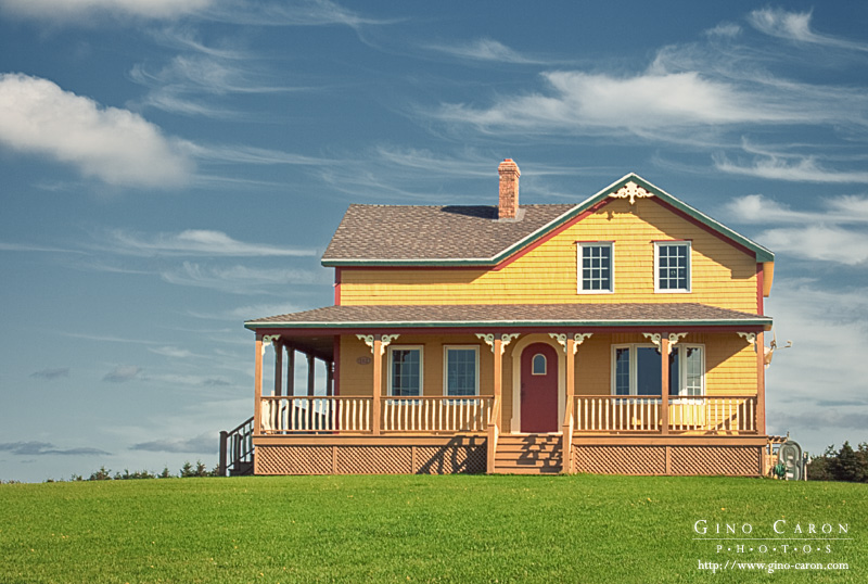 Gino caron photographe maison jaune - La maison de la place saignon ...