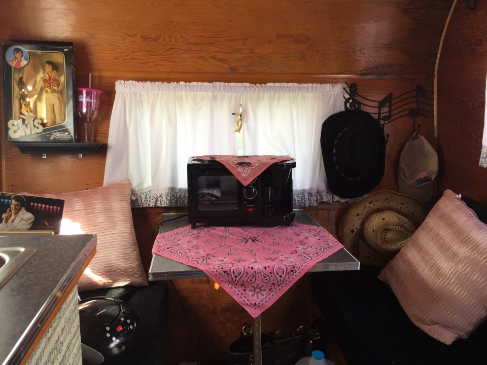 Kathy wanted to keep her trailer in the most original condition that she could. She added new piping for running water to the kitchen sink and had to replace the countertop and resurface the kitchen table with period correct boomerang laminate.