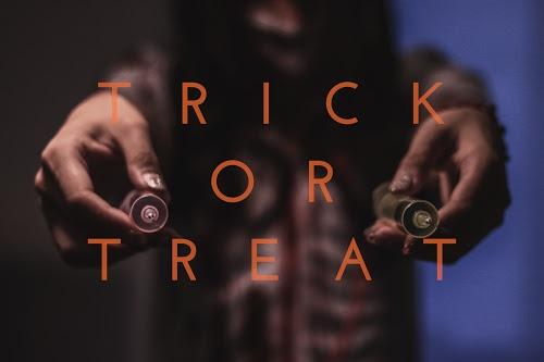 写真スタンプ:『TRICK OR TREAT』ナースゾンビ版のフリー写真素材(商用可)