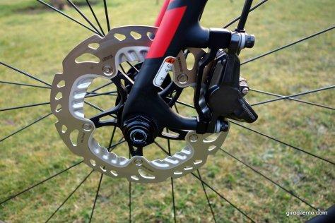 Front Shimano disc brake and rotor