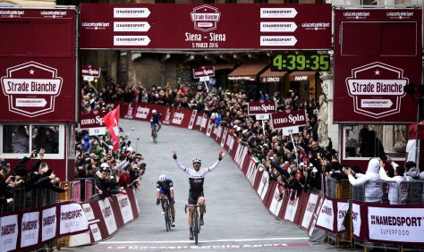 Swiss rider Fabian Cancellara of Trek Segafredo Team, on his arrival to the 2016 Strade Bianche from Siena's Fortezza Medicea to Siena's Piazza del Campo, Italy, 5 March 2016. Strade Bianche is a 176km road race containing seven sectors of white gravel roads. ANSA/CLAUDIO PERI