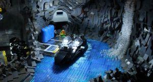 LEGO Batcave_03