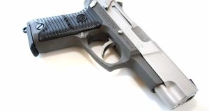 true-lies-desperado-ruger-p90-pistol-firearm-prop-03-x1200