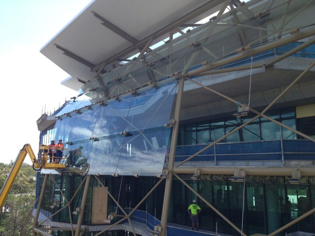 Installing the glass screen