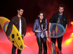 'The Twilight Saga: Breaking Dawn Part 2′ Leads Teen Choice Awards 2013 Nominations – See List Here