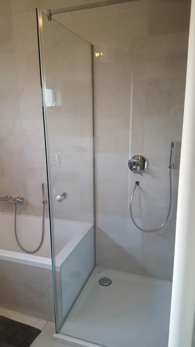 vitre pour salle de bain paroi en verre pour salle de bain l gant vitre douche italienne. Black Bedroom Furniture Sets. Home Design Ideas