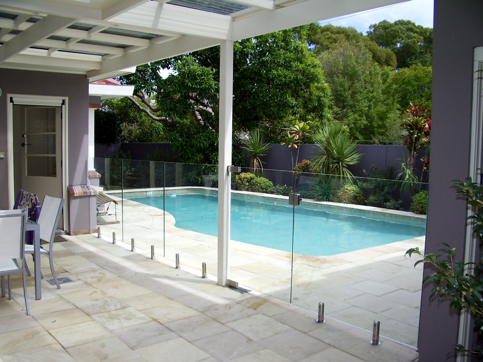 Glaspool Glass Pool Fencing Stable Safety And Security Glass Fx