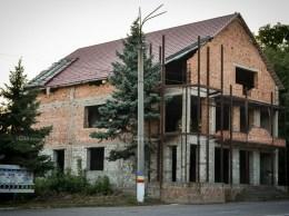 """Mostra"" din preajma Gării feroviare Drochia. © Nelly CIOBANU/GD"