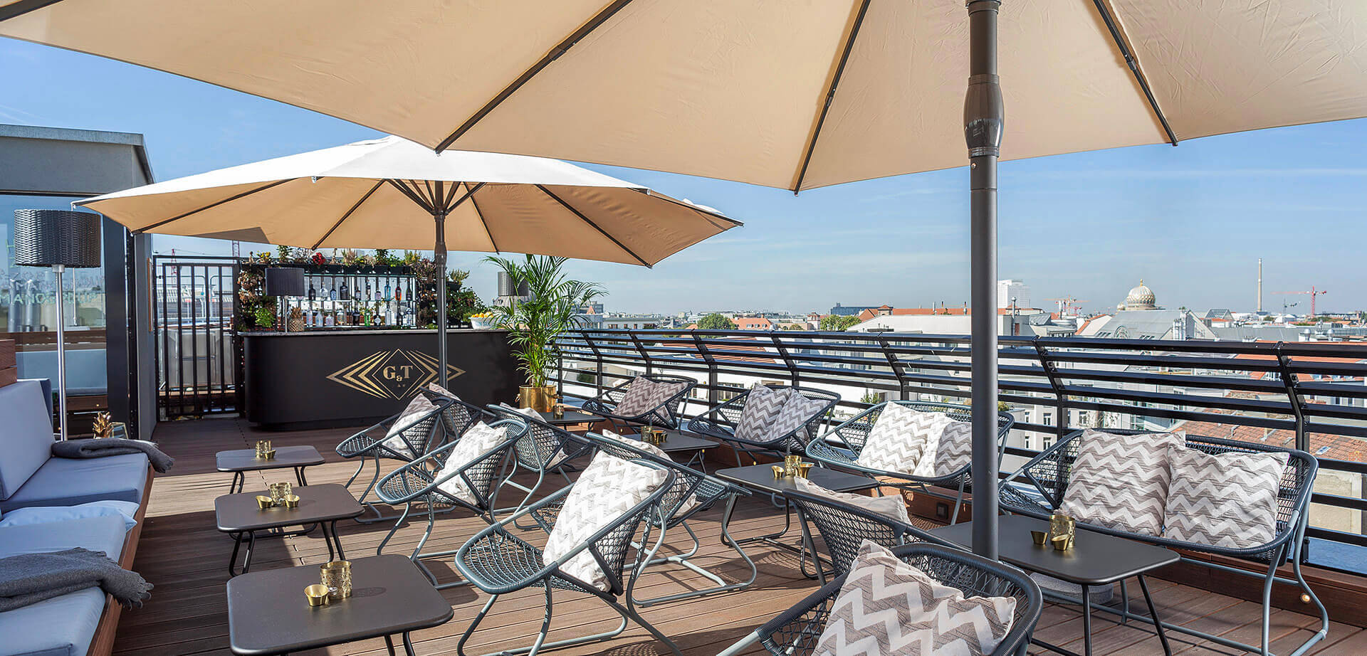 Yoga Dachterrasse Berlin Glint Rooftop Bars In Berlin Enjoy Your Drink With A View