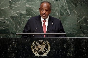 President Ismail Omar Guelleh, of Djibouti, addresses the 2015 Sustainable Development Summit, Sunday, Sept. 27, 2015, at United Nations headquarters. (AP Photo/Richard Drew)