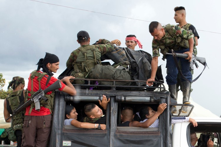 FARC rebels arrive in Yari Plains, southern Colombia, Sept. 25, 2016.  (AP Photo/Ricardo Mazalan)