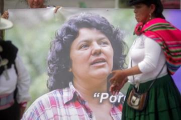 Members of the Latin American Network of Women Defenders of Social and Environmental Rights pay tribute to Honduran activist killed Berta Caceres, at a square of San Salvador, El Salvador, Apri 26l 2016. (EPA/Oscar Rivera)
