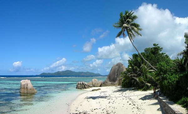 The beach of Anse Source d'Argent on the island of La Digue, Seychelles. Photo by Tobias Alt.
