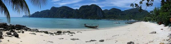 Phi-Phi beach on a lovelly day in Thailand. Photo by Chris Scubabeer.