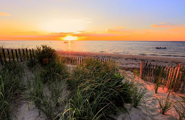 Sunset on w:Cape Cod Bay in w:Brewster, Massachusetts. Photo by PapaDunes.