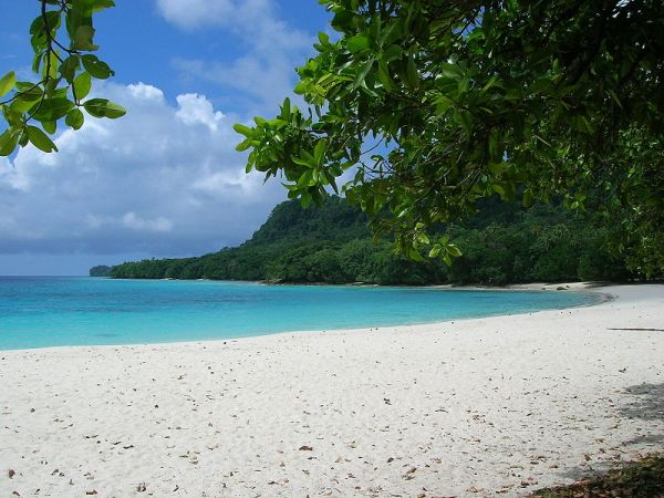 Champagne Beach, North Santo in Vanuatu. Photo by Jae Lee.