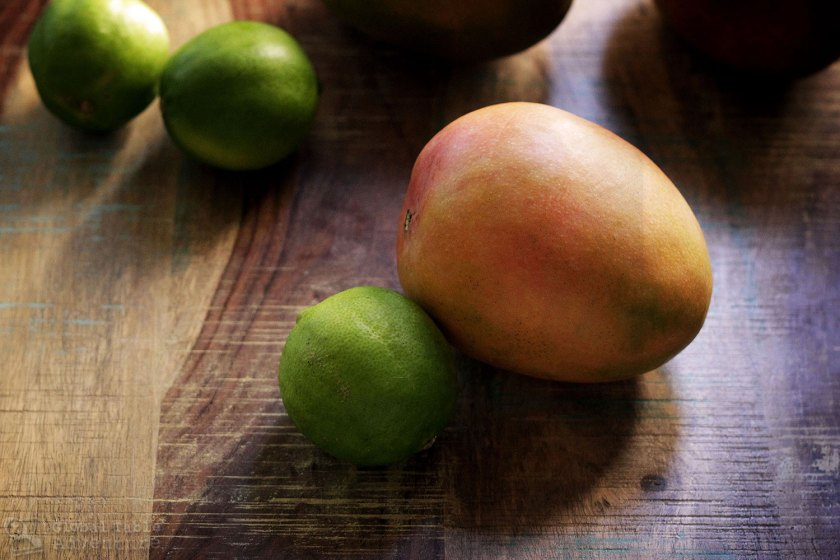 An easy recipe for Mexican mango with chili powder and lime juice