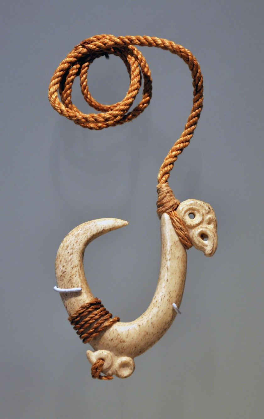 "Fishing hook, bone, Maori culture, 1800-1900. In the exhibition ""Maori, their treasures have got a soul"", in the Musée des Arts Premiers in Paris, from the end of 2011 to the begining of 2012."