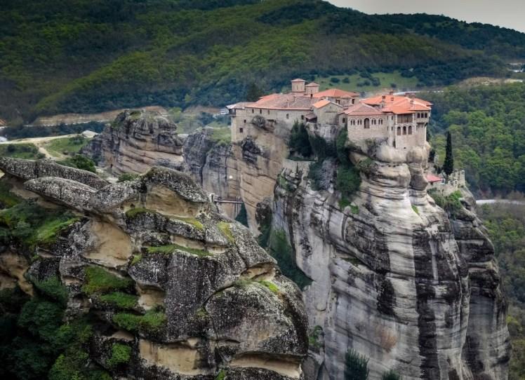I 5 luoghi imperdibili della Grecia: Uno dei Monasteri di Meterora