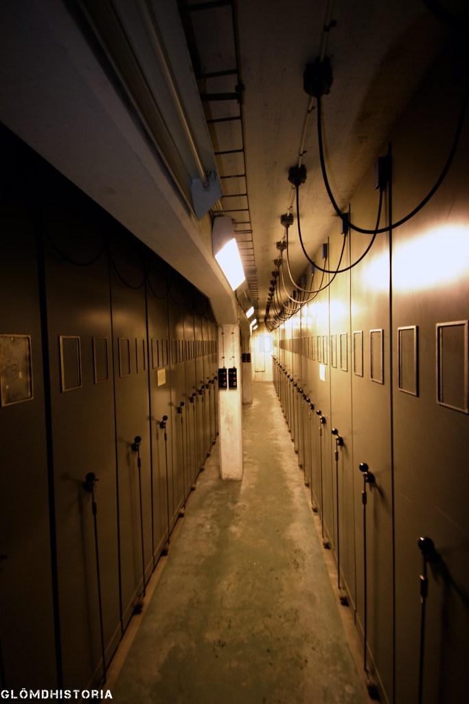 Inne i kammaren som agerat arkiv. Riktigt stort och säkert utrymme för att förvara viktiga papper.