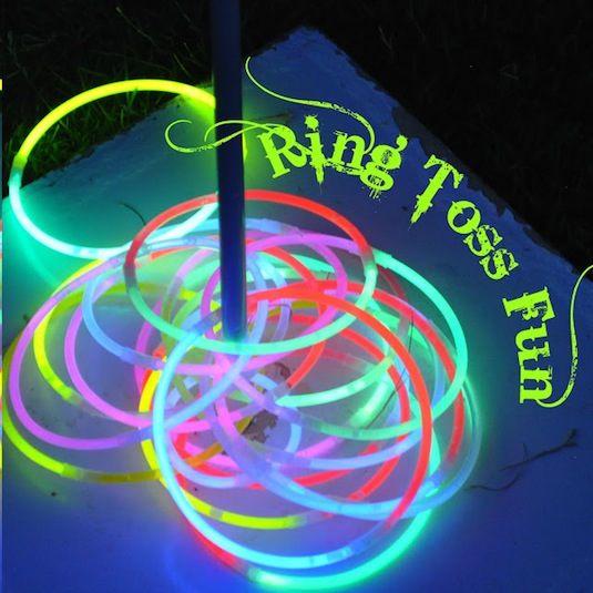 Cool-Glow-Stick-Ideas-Glow-Stick-Ring-Toss-1