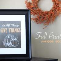 """In All Things Give Thanks"" Chalkboard Printable"