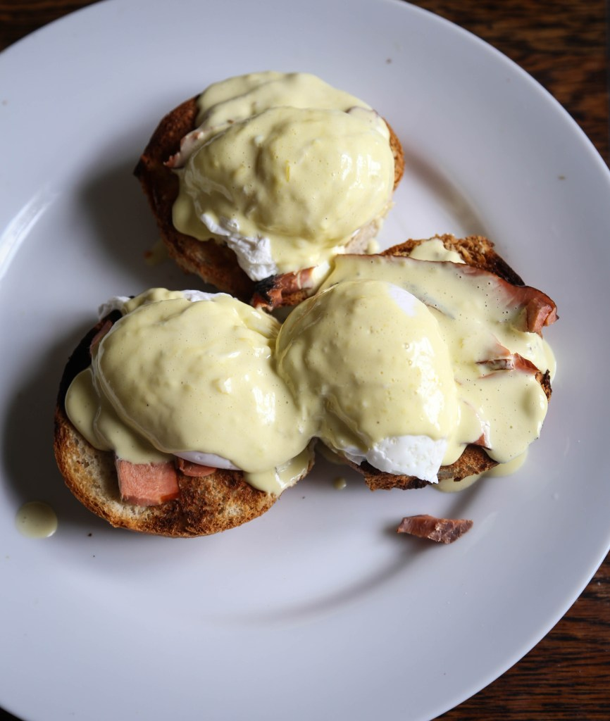 cookbook- smoked salmon eggs benedict