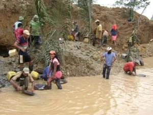 minería ilegal Morales Fallon