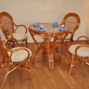 Ratanový nábytek - luxusní ratanová sedací souprava je vyrobena z přírodního ratanu v koňakové barvě konstrukce. Souprava se skládá ze 4 křesel