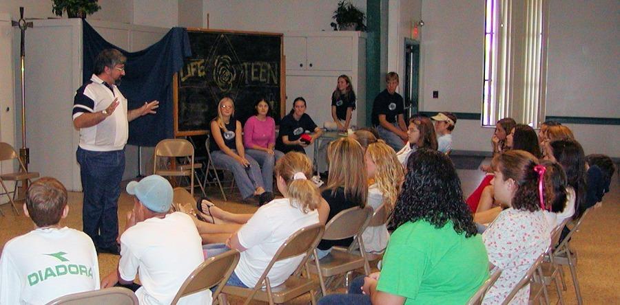 Ralph Modica evangelizing teens