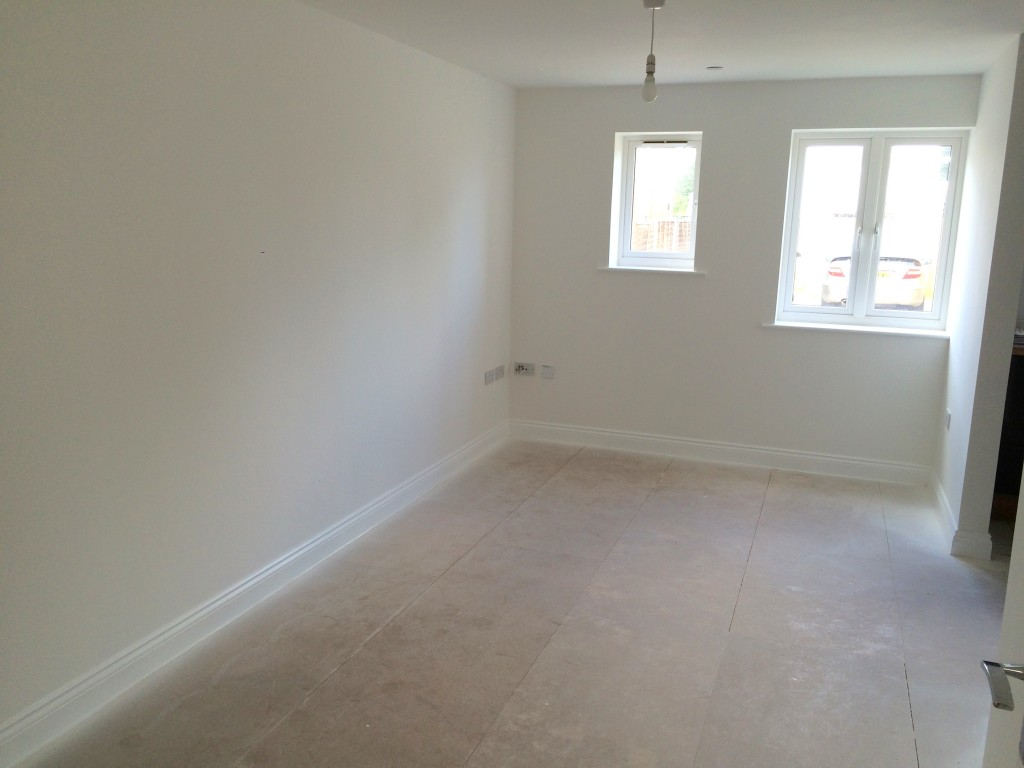 2 Bed Flat Bournemouth Go Let Two Bedroom Flat With Parking In Bournemouth