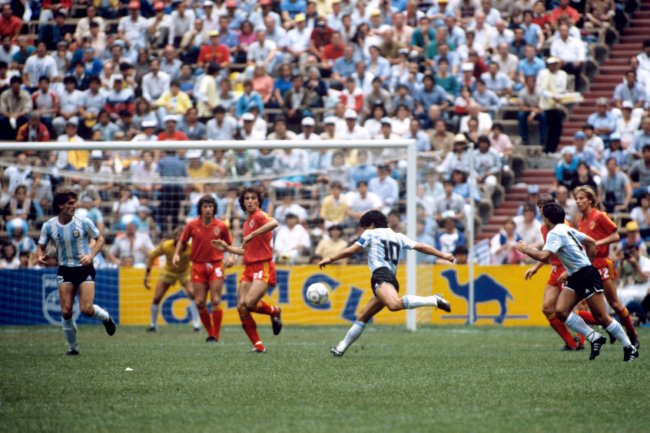 Soccer - World Cup Mexico 1986 - Semi Final - Argentina v Belgium - Azteca Stadium
