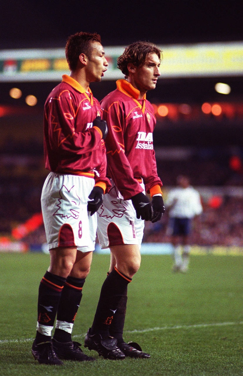 Totti with Hidetoshi Nakata