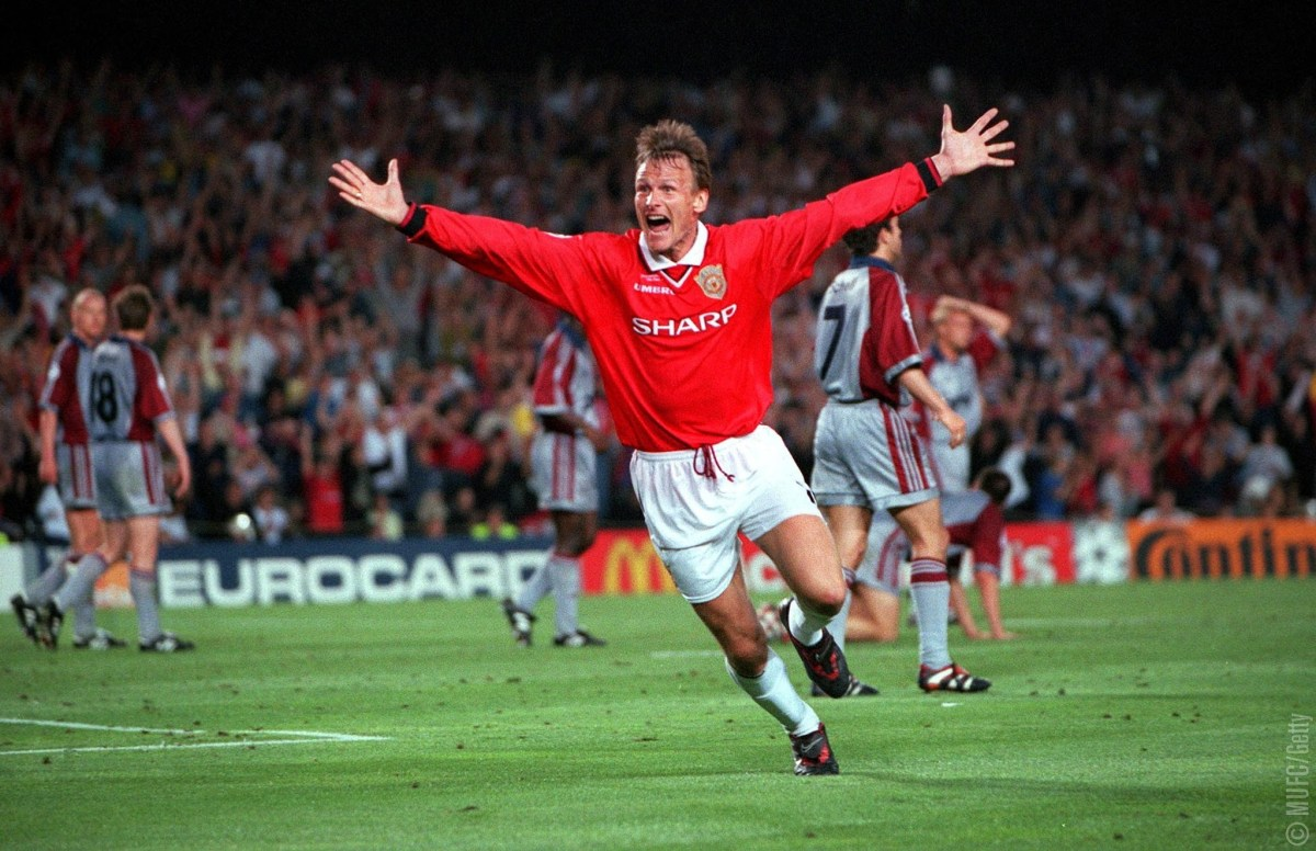26th MAY 1999, UEFA Champions League Final, Barcelona, Spain, Manchester United 2 v Bayern Munich 1, Manchester United's Teddy Sheringham celebrates after scoring his late equalising goal (Photo by Popperfoto/Getty Images)