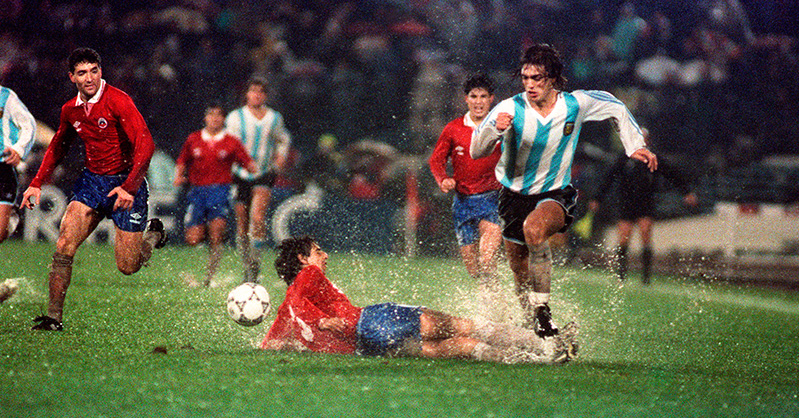 Batistuta against Chile in action during Copa 1991