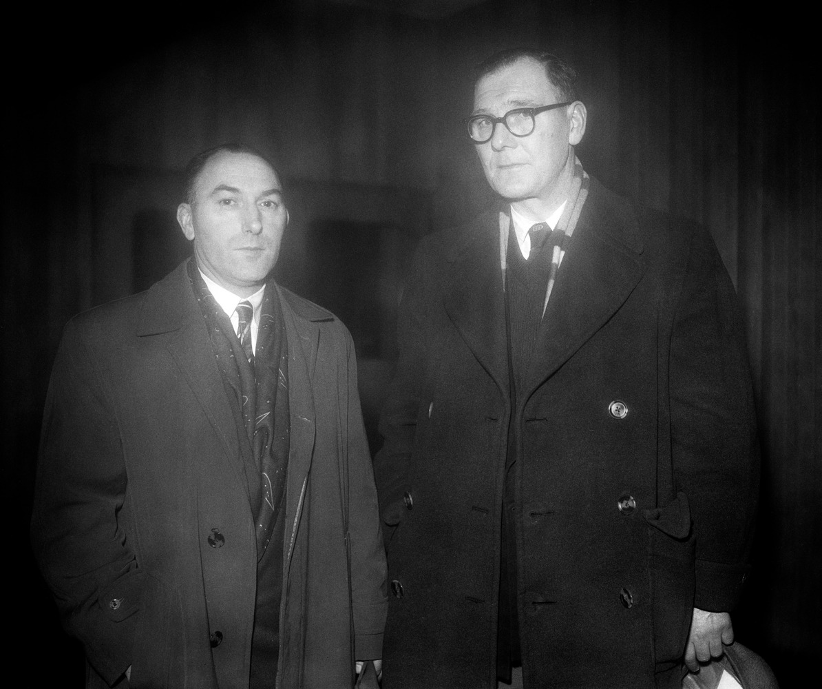 Gladstone Edwards (left) and Len Morgans, the fathers of two Manchester United players injured in the Munich air crash. They are preparing to travel to Germany to visit their sons (Duncan Edwards and Ken Morgans) in hospital. Duncan Edwards died as a result of his injuries on the 21 February 1958. Ken Morgans was the youngest survivor.