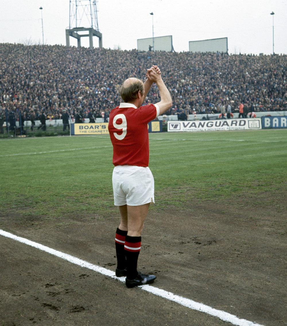 tumblr_Bobby-Charlton's-final-match-for-United-1973