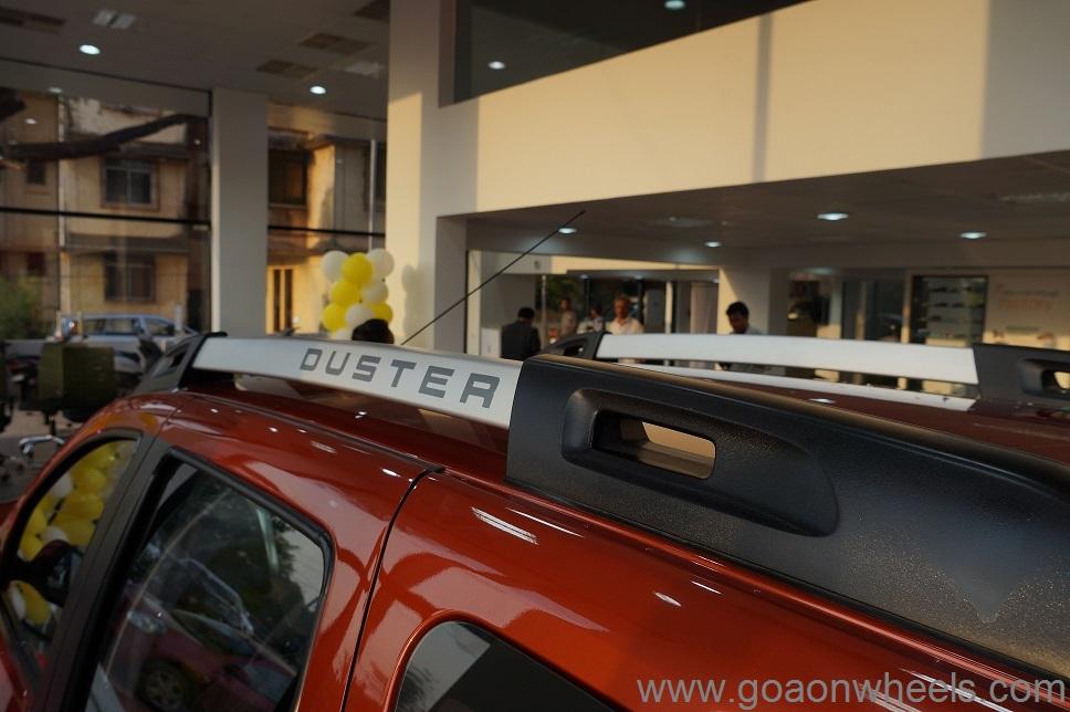 renault duster facelift launched in goa. Black Bedroom Furniture Sets. Home Design Ideas