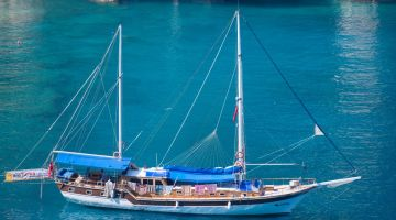 The Top 7 Things to See and Do on a Blue Cruise