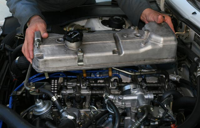Why is My Valve Cover Gasket Leaking? BlueDevil Products