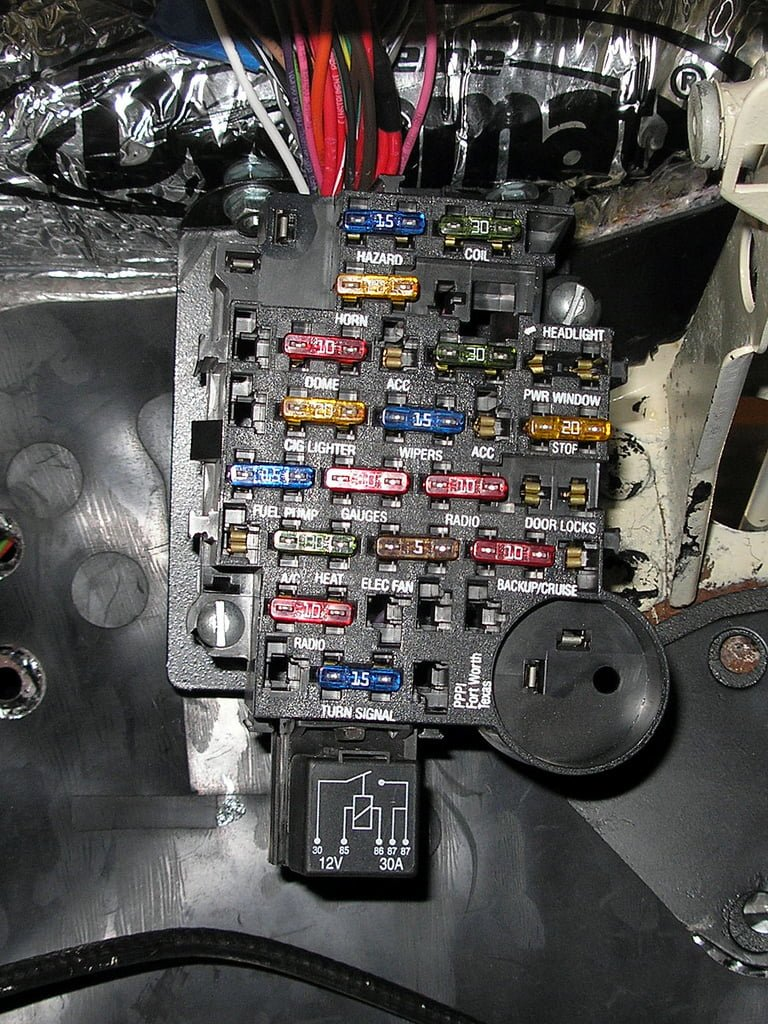 2009 equinox fuse box cover