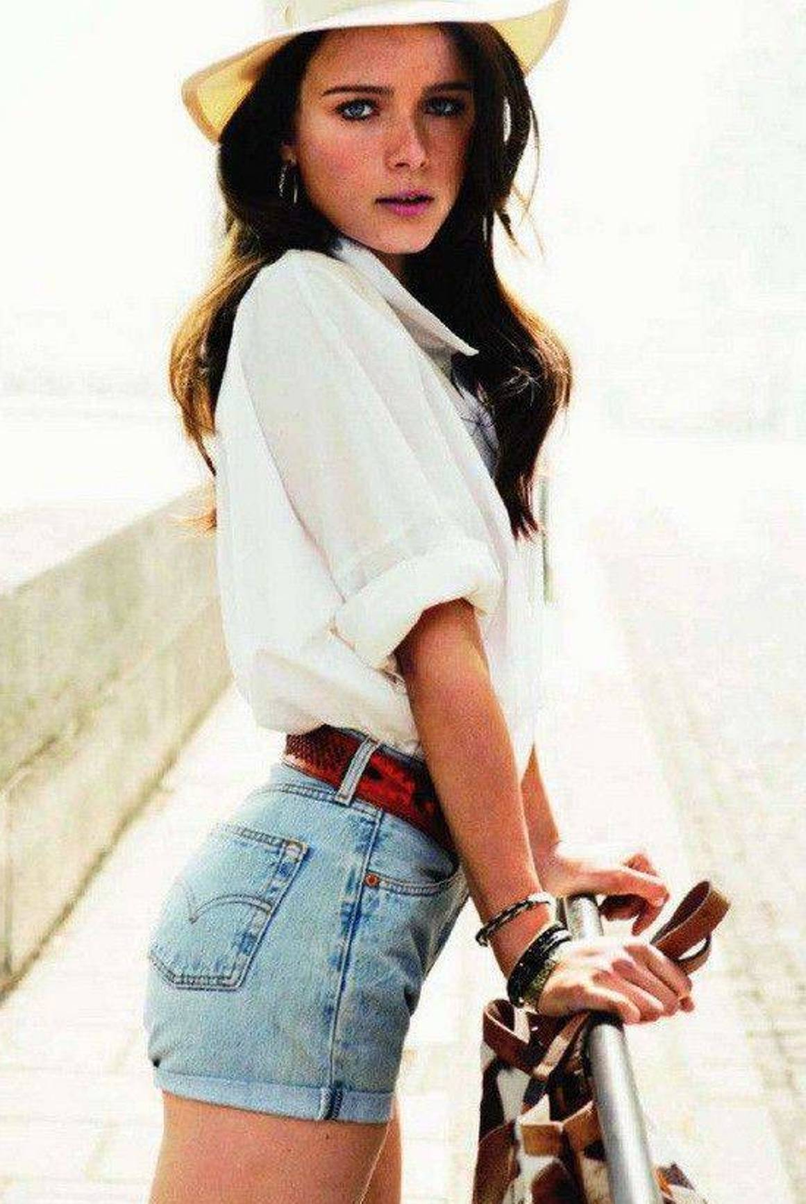 Decent Girl Wallpaper Chic And Stylish Shorts Outfit Ideas Godfather Style