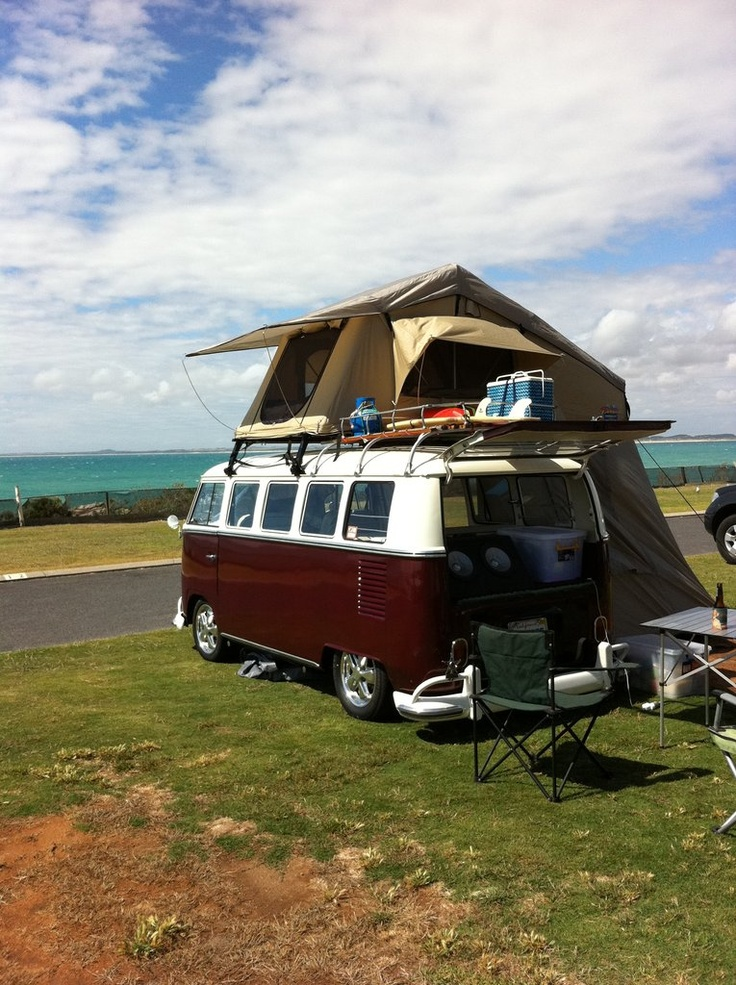 vw bus campers to take a road trip in go hippie chic. Black Bedroom Furniture Sets. Home Design Ideas