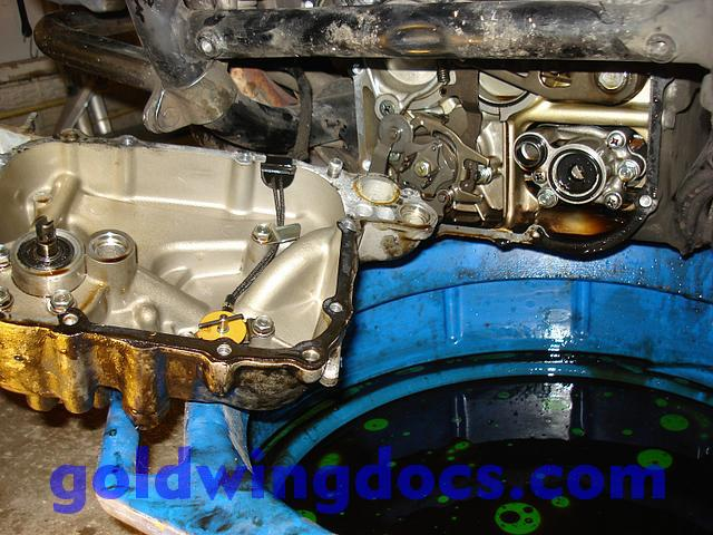 How to remove and replace your water pump \u2022 GL1100 DIY Articles