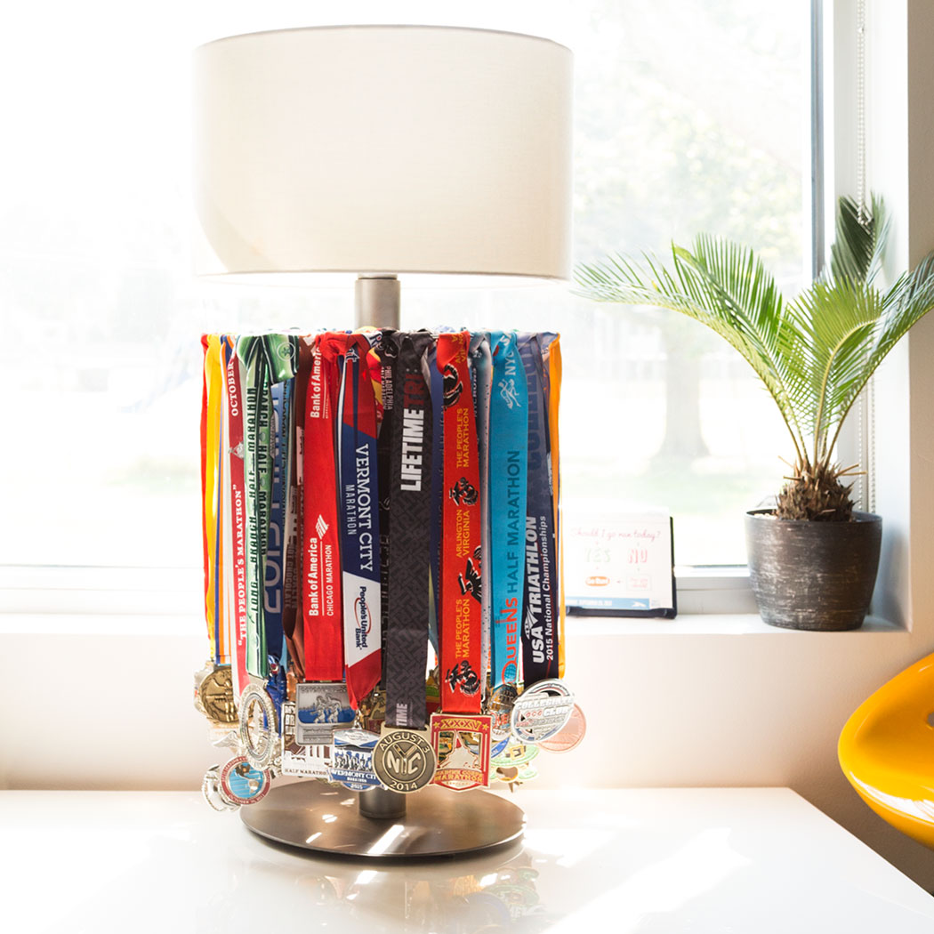 Lamp Plant Tabletop Medal Display Lamp