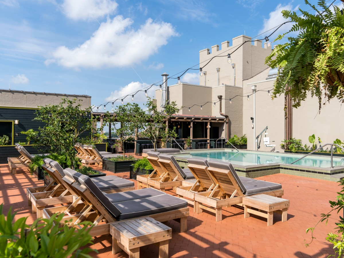 the alto rooftop pool and bar at ace new orleans photo fran parente